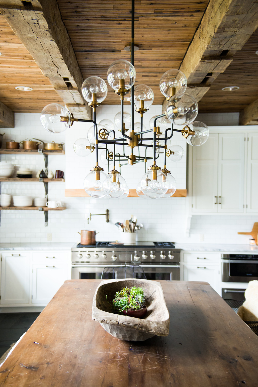 10 Kitchen Chandeliers to brighten up your Kitchen 03