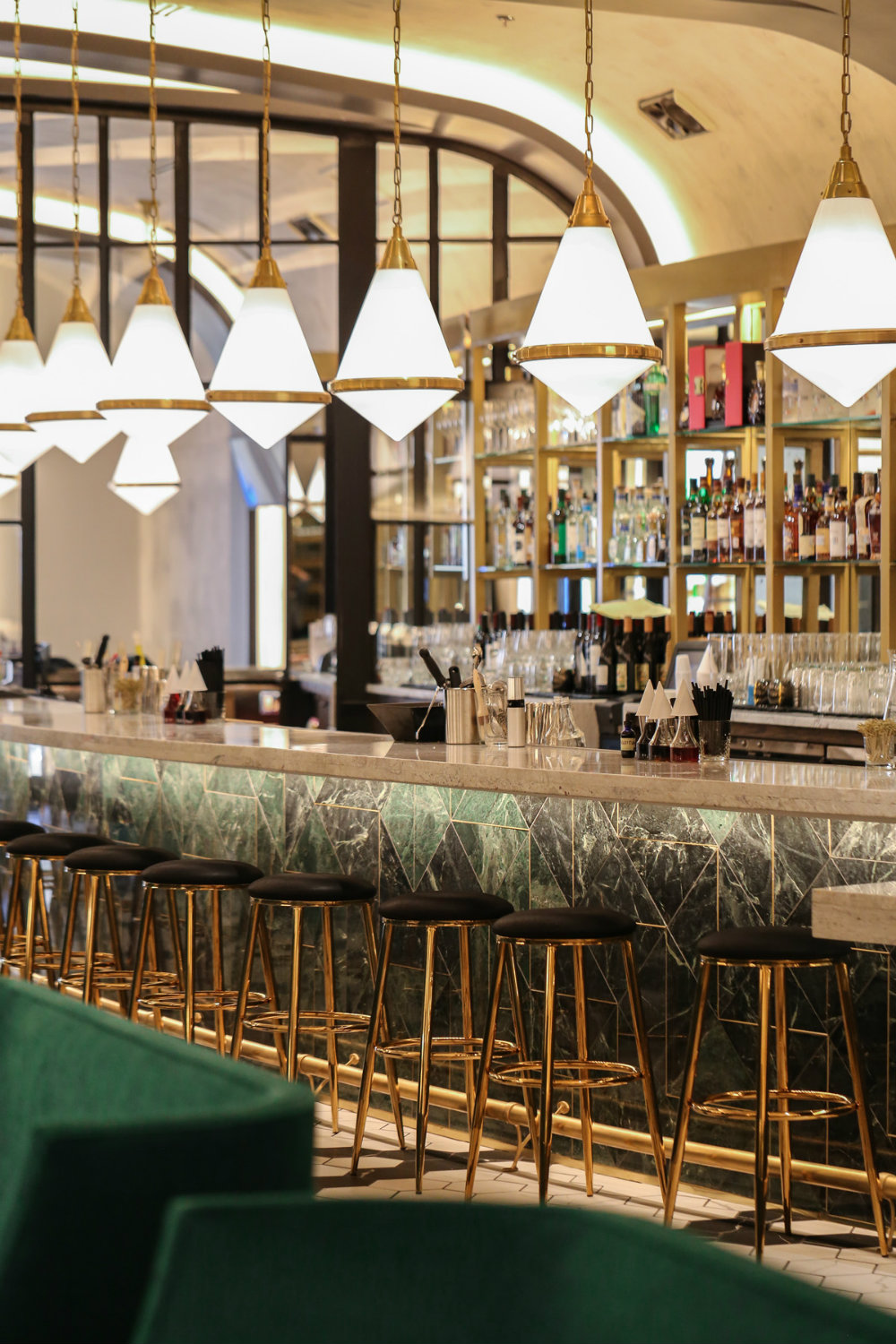 5 Luxury Bar Lighting Ideas