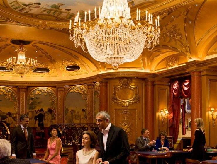 Casino Chandeliers_ A Breathtaking Tour Around the World