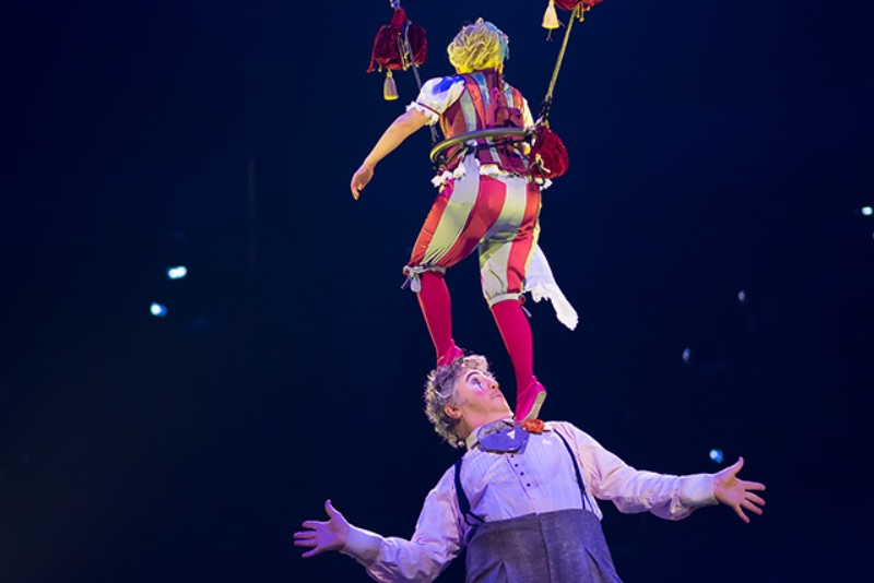 Cirque du Soleil's Corteo_ A Spectacle Featuring Chandeliers-2
